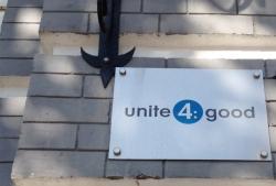 Компания Юнит 4: Гуд Фаундейшн / Unite 4: Good Foundation на улице Ярославов Вал
